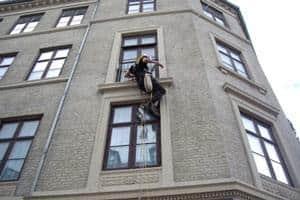 Duesikring og duebekæmpelse med duepigge og duenet på facader og andre tilhold